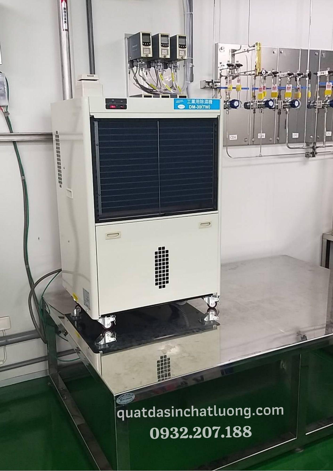 máy lọc không khí hút ẩm