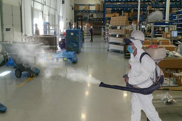 Dùng chế phẩm sinh học khử mùi nhà xưởng