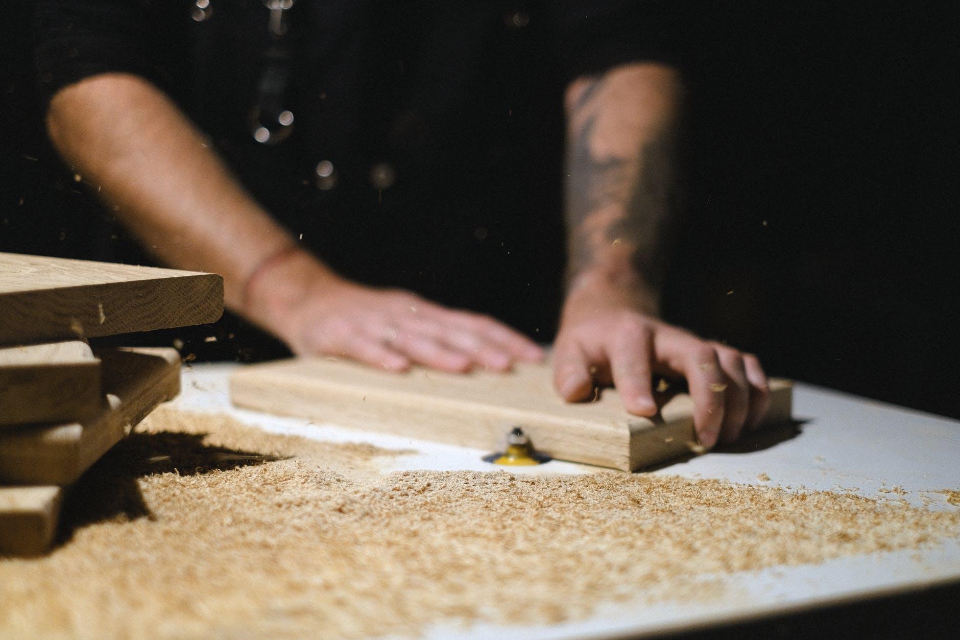 Quá trình chế biến gỗ sinh ra bụi